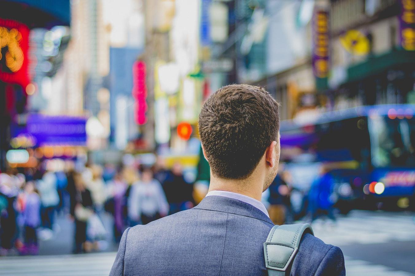 Conheça o Dresscode ideal para a primeira entrevista de emprego
